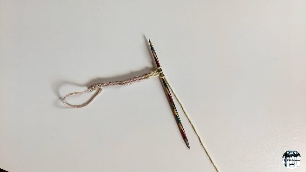 Cordoncillo, i-cord, dos agujas